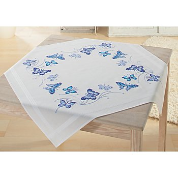 Stickmitteldecke 'Blaue Schmetterlinge'