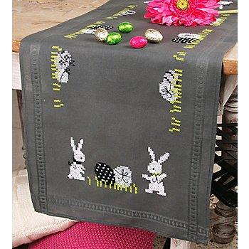Chemin de table à broder 'lapins de Pâques modernes'