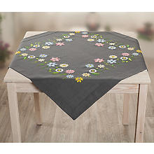 Stickmitteldecke 'Happy Flowers'