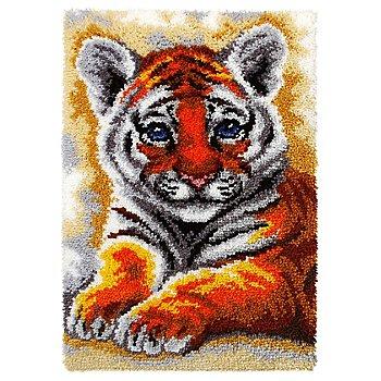 Tapis au point noué 'bébé tigre'