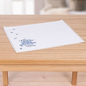 Tischset mit Spitze 'Blaue Blüten'