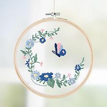 Tambour à broder 'fleurs et papillons ' sur tulle